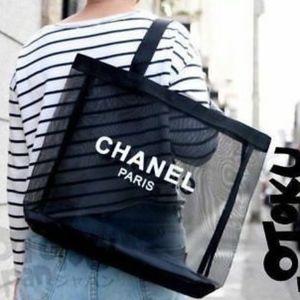 CHANEL Vip beauté makeup mesh tote bag